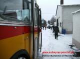 Oldtimer-Bus im Winterbetrieb - Schwyzer Poschti