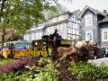 Oldtimer-Postauto-Bus Saurer/Tüscher 3DUK-50 ex P-24660 von www.schwyzer-poschti.de mit der Postkutsche Wiehl - Nümbrecht am Bahnhof Wiehl - Bergisches Land / Pferdepost / Fachwerk Häuser / Nostalgiefahrten / LVR Freilichtmuseum Lindlar und Kommern